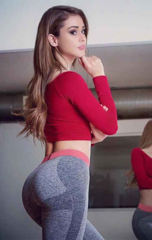 Sexy Outfit: red long sleeve crop top, gray sport leggins #outfit #longhair #makeup #trendy