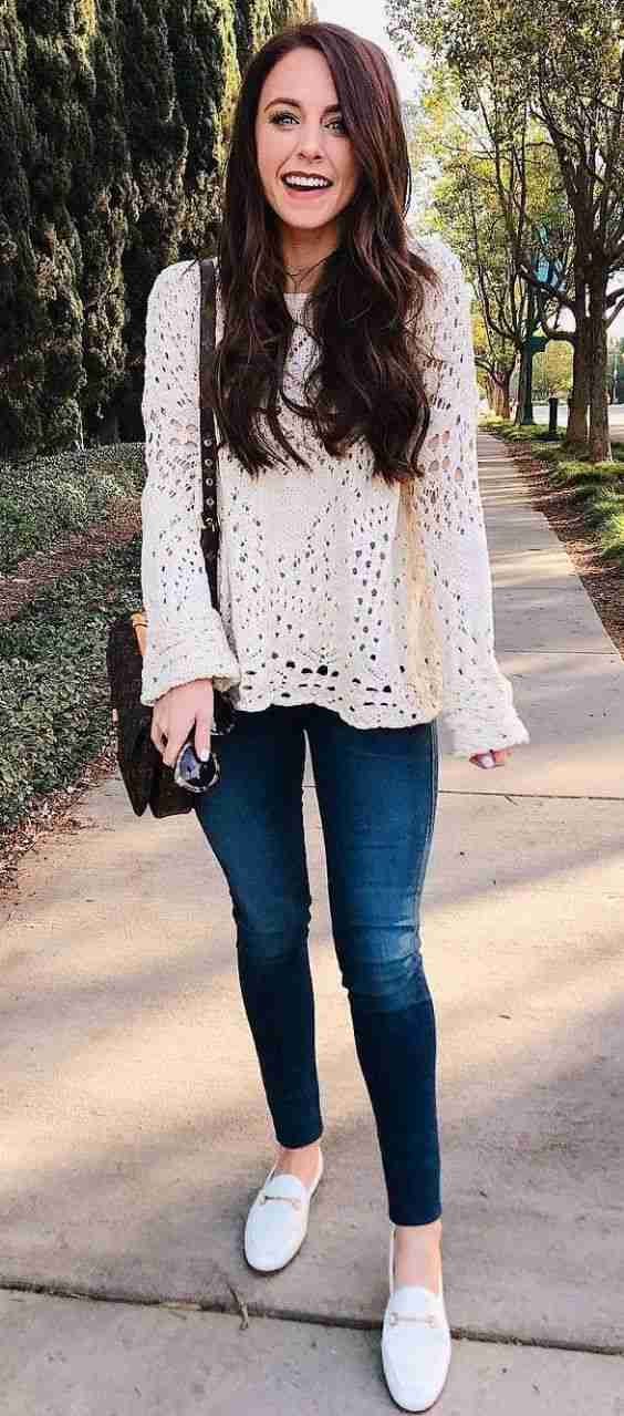 Spring Outfit: beige crochet sweater, skinny jeans, white slip-on shoes, brown crossbody bag #outfitoftheday #longhair #teen #dailylook