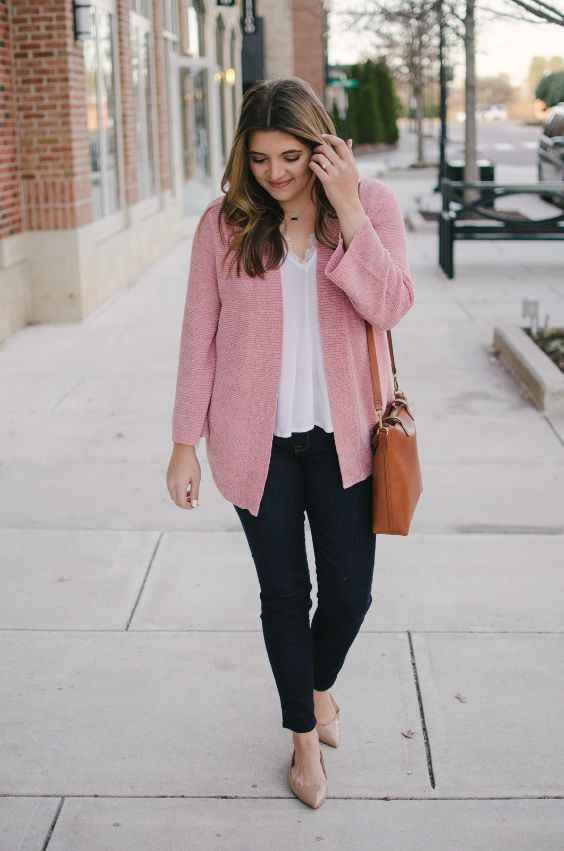 Spring Outfit: baby pink cardigan, white top, skinny jeans, nude flat shoes, camel crossbody bag, necklace #outfit #pink #girly #fashion