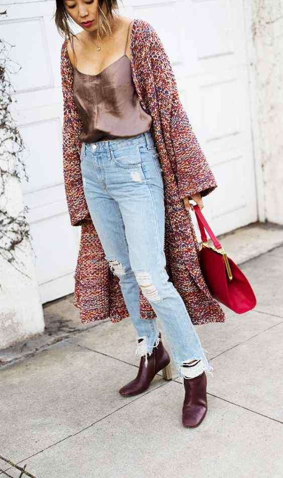 Spring Outfits: red longline cardigan, brown spaghetti strap top, ripped jeans, black booties, red handbag, necklace #outfitideas #spring #fashion #trendy