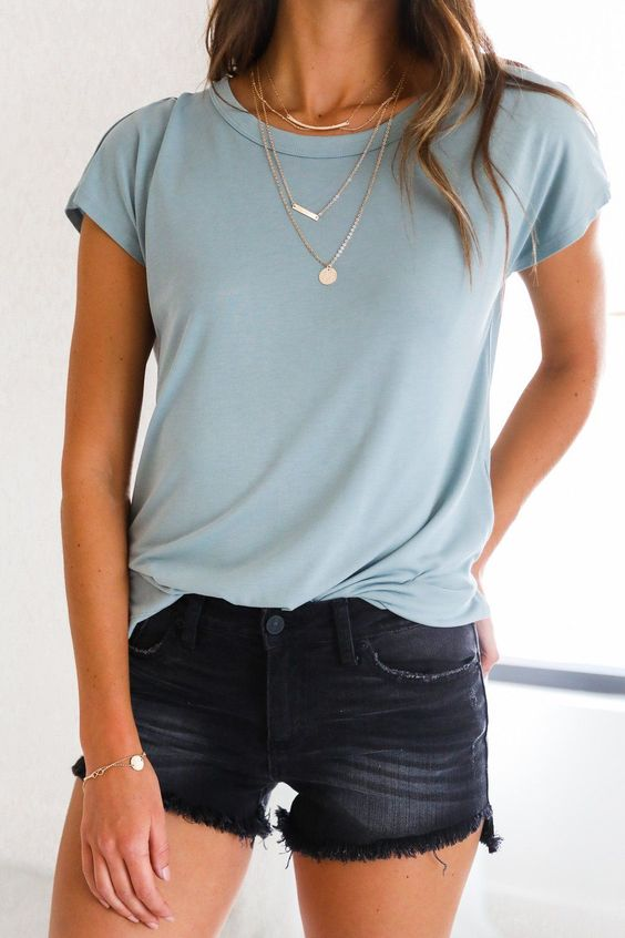 Summer Outfits: blue t-shirt, denim shorts, bracelet, necklace #outfitideas #casual #school #fashion