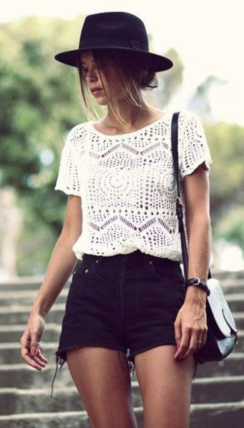 Summer Outfit: White lace short sleeve top, black jeans, black and white cross body bag, bracelet #outfitoftheday #cute #dailylook #fashion