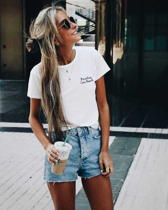 Summer Outfits: white t-shirt, denim shorts, sunglasses, earrings, necklace #outfitoftheday #longhair #fashion #dailyoutfit