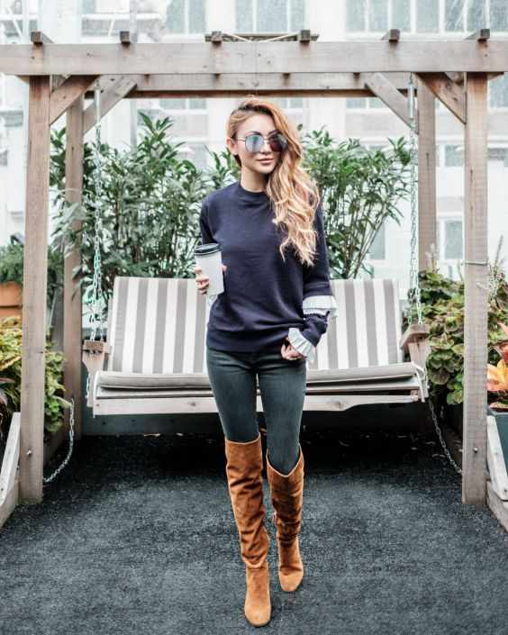 Winter Outfit: navy blue sweater, skinny jeans, camel knee high boots, sunglasses #outfitideas #blonde #longhair #look