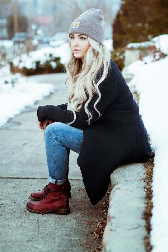 Winter Outfit: gray winter hat, black coat, skinny jeans, red army boots #outfitideas #blonde #longhair #dailylook