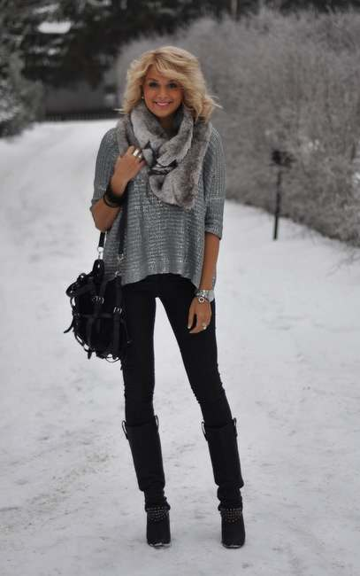Winter Outfits: gray sweater, gray faux fur scarf, black skinny pants, black booties, black crossbody bag, bracelets #outfitideas #blonde #fashion #snow