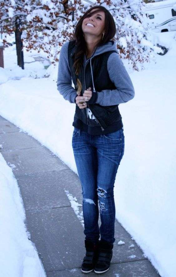 Winter Outfits: gray and black jacket, black sweater, ripped jeans, black booties earrings #outfit #smile #snow #girl