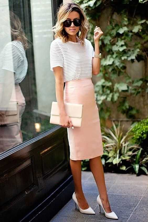Work Outfit: white striped short sleeve top, baby pink tube skirt, pink purse, white heels, watch, sunglasses #outfitideas #professional #pink #shorthair