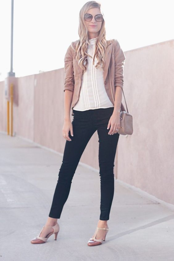 Work Outfits: light brown blazer, white blouse, black skinny pants, nude heels, crossbody bag #outfit #elegant #fashion #trendy
